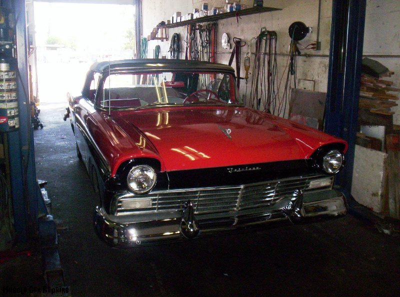 1958-ford-fairlane-500-front-view